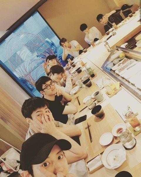 [PANN] EXO maknaesi Sehun'un üyelerine olan sadakati