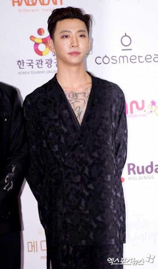 Bang Yongguk kontratının sona ermesiyle TS ve BAP'den ayrıldı