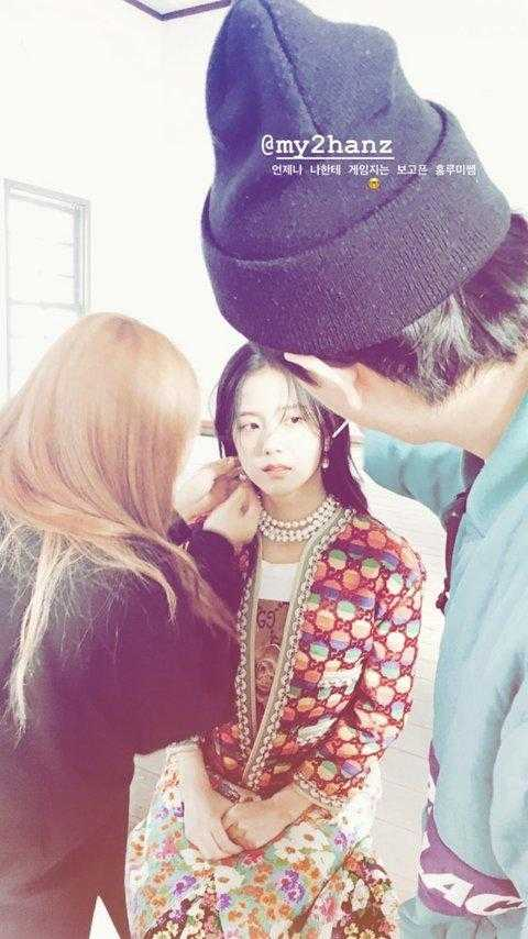 [PANN] Black Pink Jisoo'nun makyajsız yüzü beğeni topladı