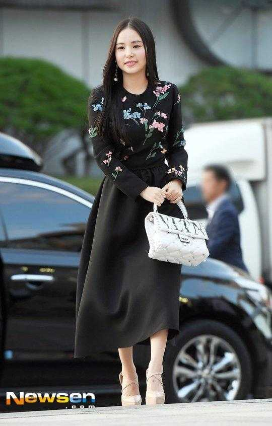 Min Hyo Rin evlendikten 8 ay sonra ilk etkinliğine katıldı