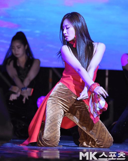 Yuri 'Into You' ile solo çıkış yaptı