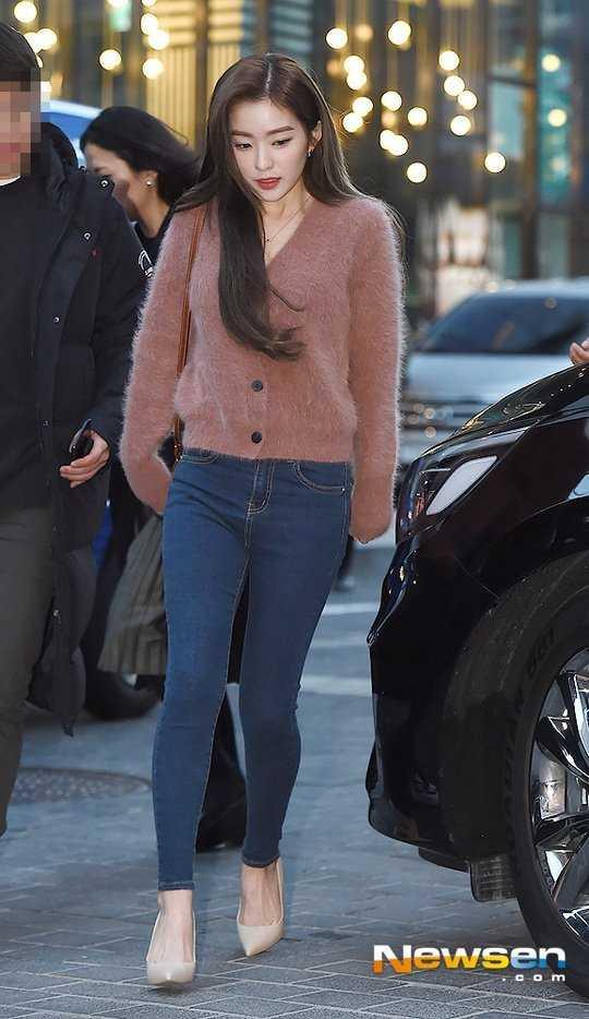 Irene bir moda etkinliğinde soğuğa göğüs gerdi