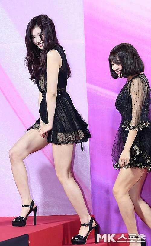 Sana '2019 Seul Müzik Ödülleri' kırmızı halısında soğuğa göğüs gerdi