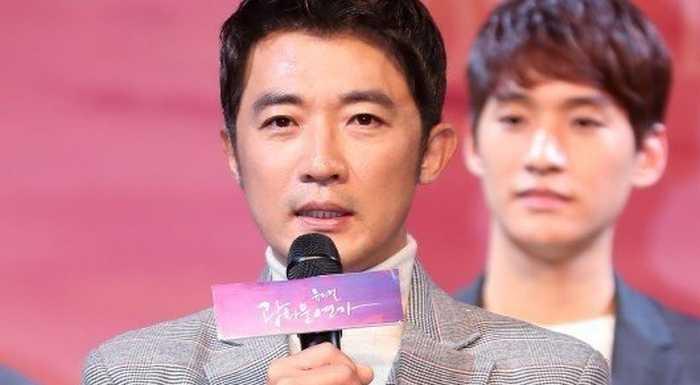 Aktör Ahn Jae Wook alkollü araba kullanırken yakalandı