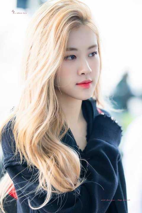 [PANN] Rose saçlarını farklı bir şekilde ayırınca netizenlerin beğenisini topladı
