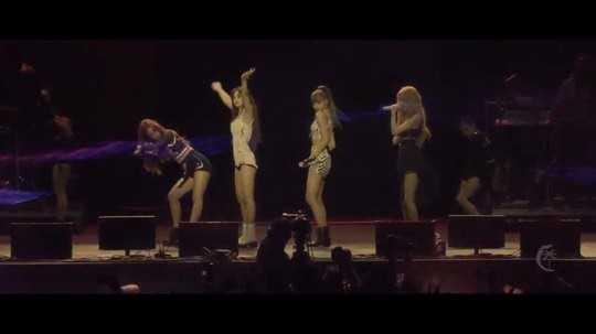 Black Pink 'Coachella' festivalinde performans sergiledi