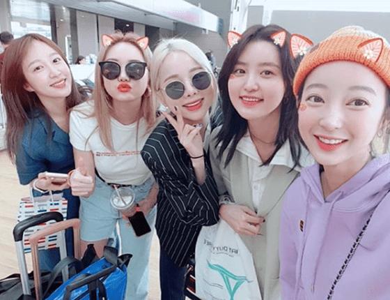 EXID bazı üyelerin şirket değiştirmesi haberlerinden sonra birlikte fotoğraf paylaştı
