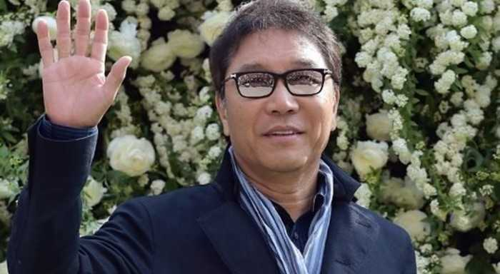 Lee Soo Man, olmayan bir şirket aracılığıyla kendisine ödeme mi yapıyor?
