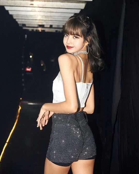 Black Pink Lisa Tayland'dan fotoğraflar paylaştı