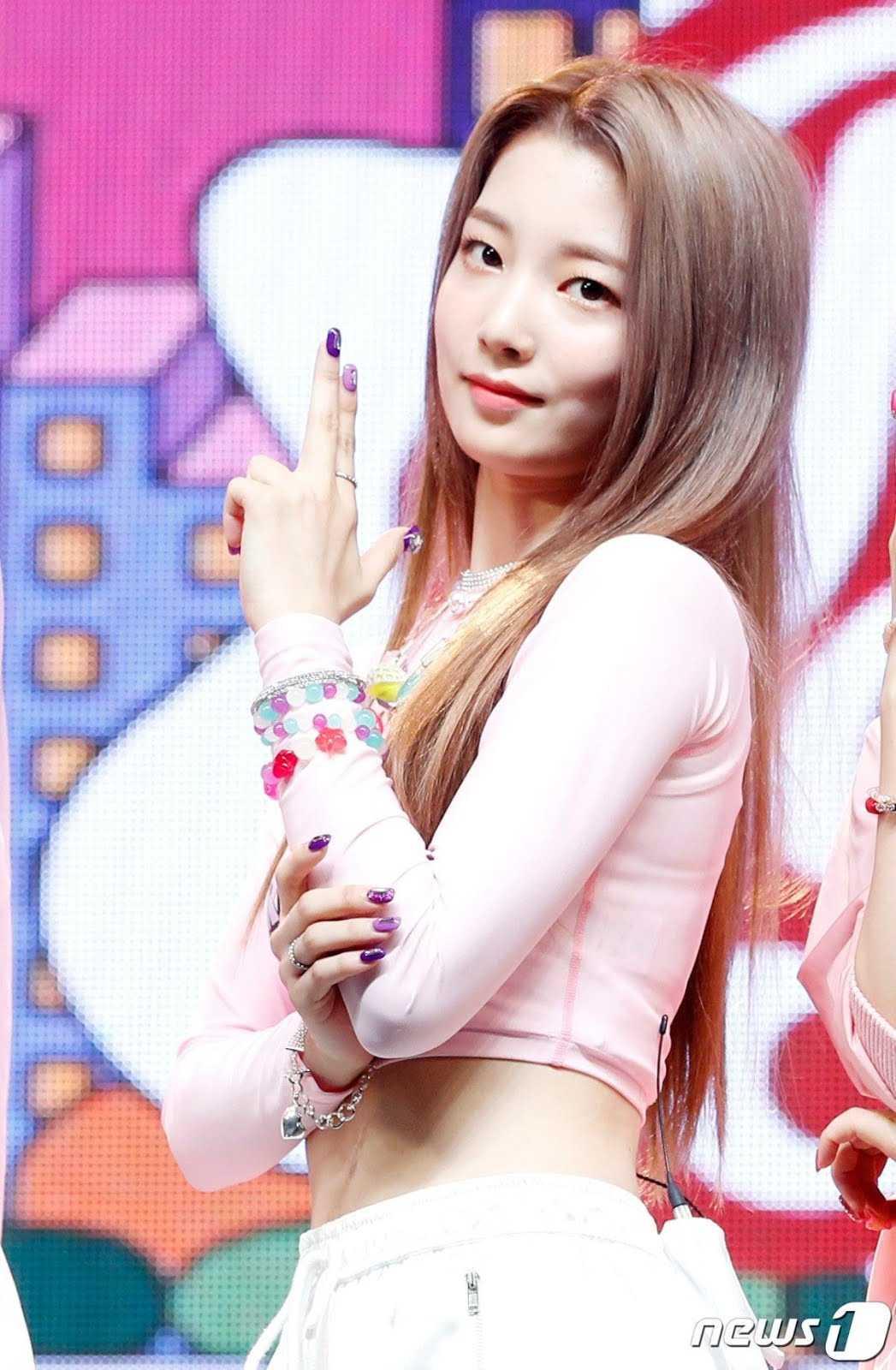[THEQOO] JYP tarzı olan Rocket Punch üyesi