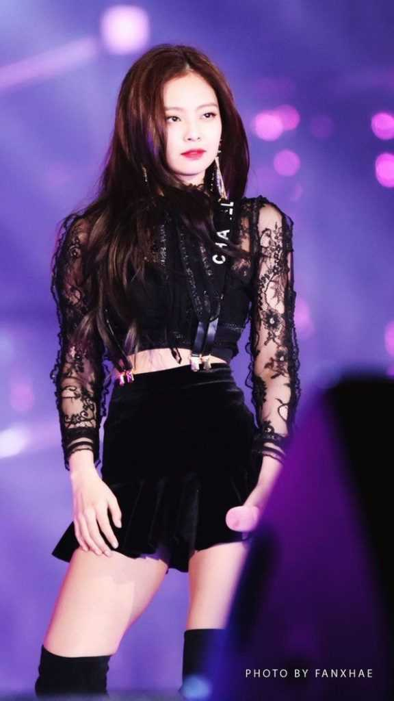 [THEQOO] Black Pink'in en efsane Gayo kıyafeti hangisi?