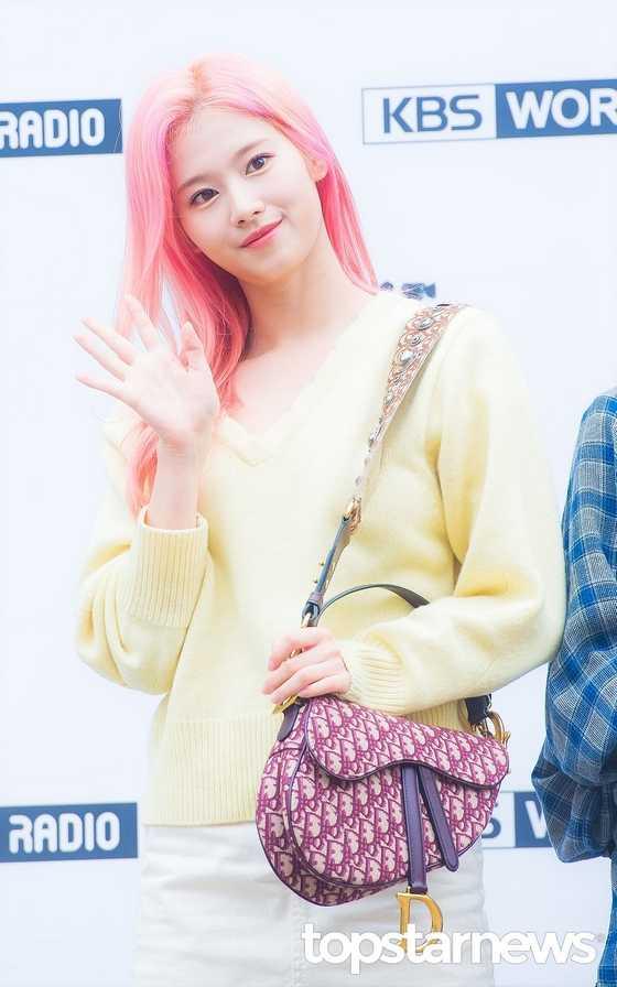 [THEQOO] Twice Sana'ya en çok yakıştırdığınız saç rengi