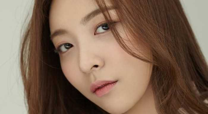 Luna, SM'den ayrıldıktan sonra Humap Contents ile anlaşma imzaladı