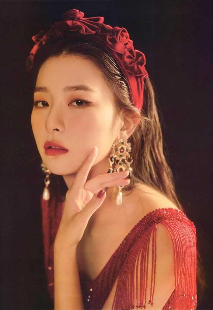 [THEQOO]Red Velvet üyelerinin 'La Rouge' fotoğrafları beğeni topladı