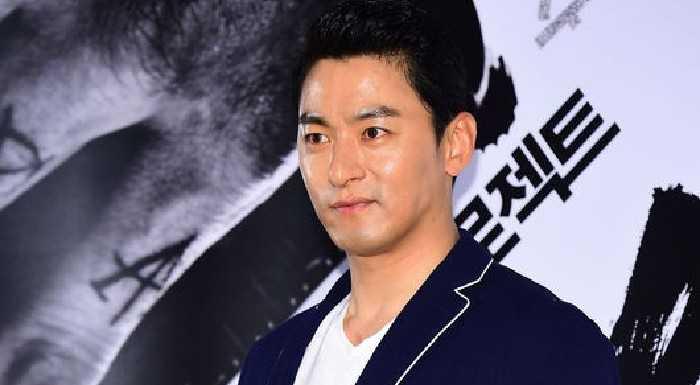 Joo Jin Mo'nun telefonu hacklendi ve eşini aldattığı ortaya çıktı + sızdırılan mesajlarla diğer aktörler de ifşalandı