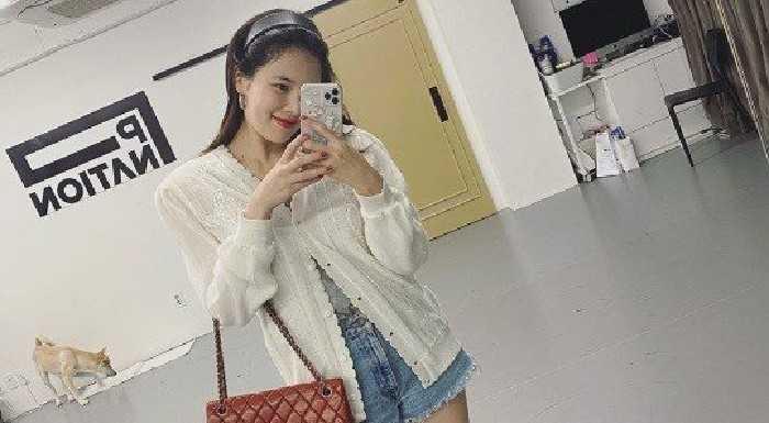 Hyuna günlük kıyafetini gösterdi