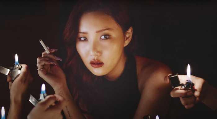 [PANN] Hwasa, iTunes dünya albümleri listesinde 1 numara olan ilk kadın solo sanatçı