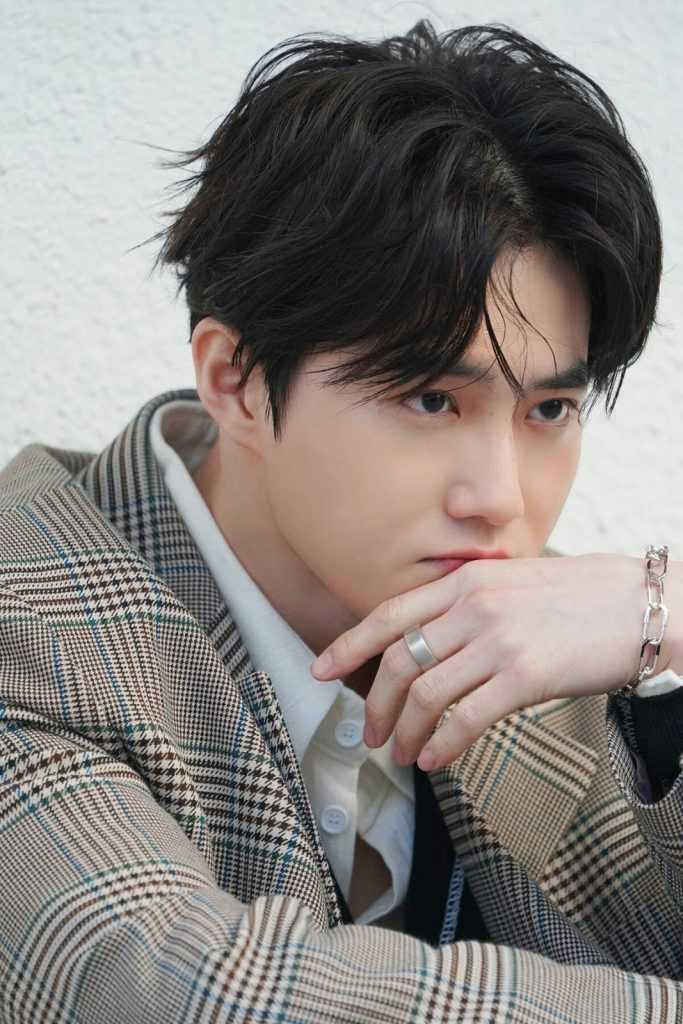 [THEQOO] Netizenler EXO'nun görsel üyesini seçmekte zorlanıyor