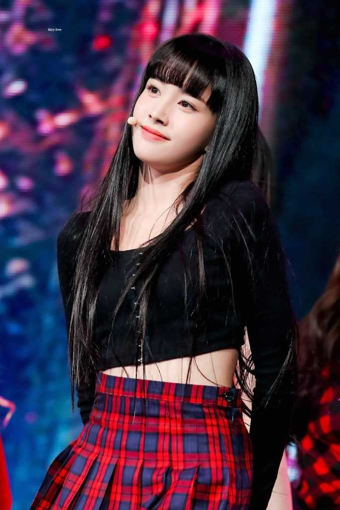 stayc member who is mentioned the most with her visuals 10