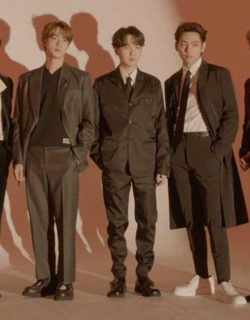 [THEQOO]BTS stilistinin Instagram hesabı eleştiri yorumlarıyla doldu
