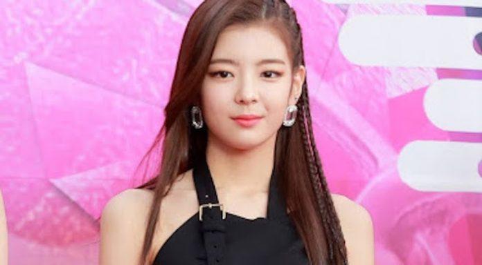 [THEQOO] JYP'nin ITZY Lia ve Stray Kids Hyunjin'in zorbalık skandallarına yaptığı farklı açıklamalar