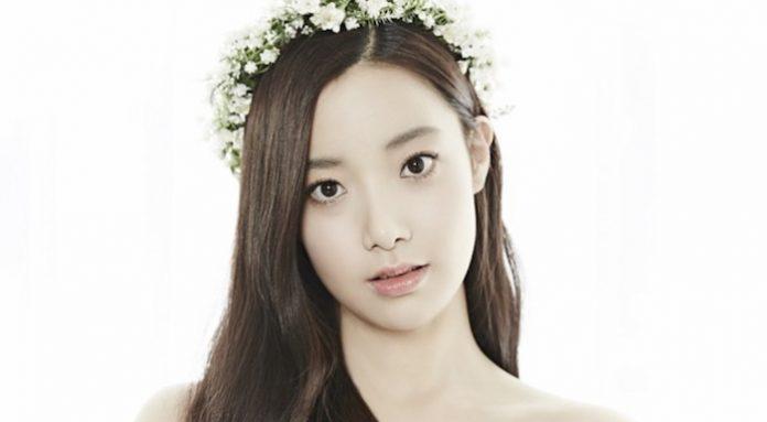 [THEQOO] Eski April üyesi Hyunjoo'nun erkek kardeşi olduğunu iddia eden kişi, Hyunjoo'nun zorbalığa uğradığını yazdı