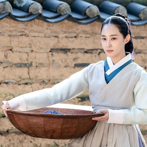 snsds yuri looked more suitable for a historical drama than expected 2