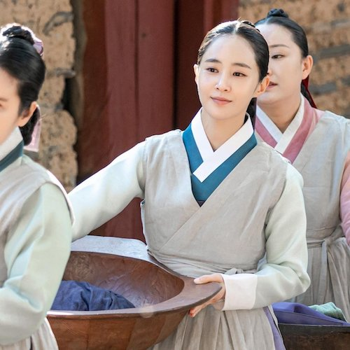 snsds yuri looked more suitable for a historical drama than expected 3