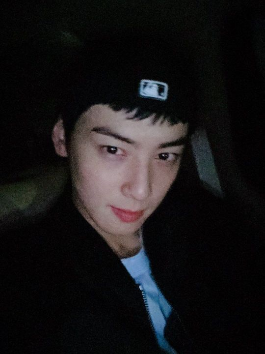 astro cha eunwoo with super short hair 3