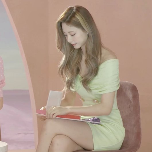 twices tzuyu who found her style after a while 8